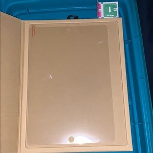 Accessories - iPad screen protector